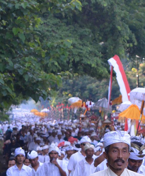 Dawn procession Melis ceremony