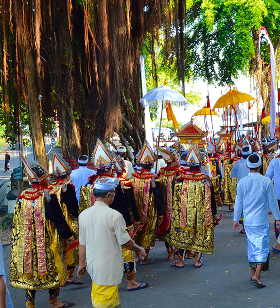 Beris dancers in procession